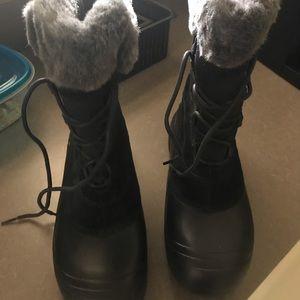 Columbia snow boots women